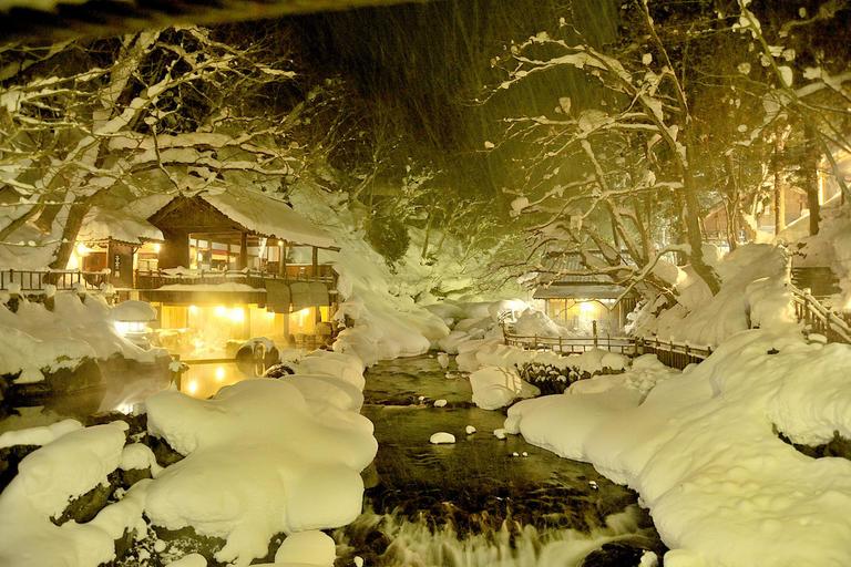シーズン到来! 首都圏から日帰り電車で行ける大自然・谷川岳、『冬のアクティビティ』編