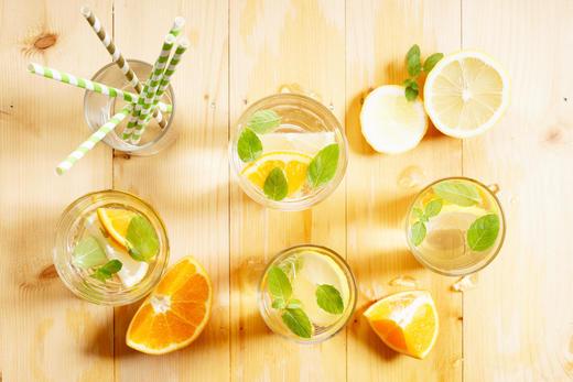 【おいしい時間】<水を楽しく飲む方法>果物に、スパイスも?!